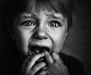 испуганные дети